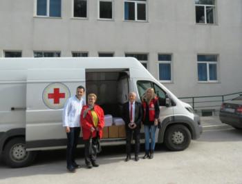 Crveni krst RS uručio pomoć nevesinjskoj bolnici