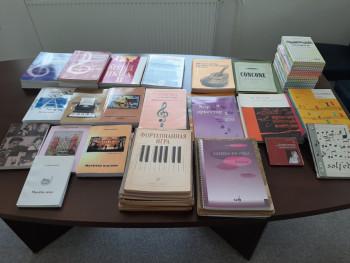 Aleksandar Gutić darovao nevesinjsku muzičku školu