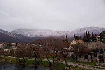 Zima se vratila u Hercegovinu: Nakon proljećnih dana, snijeg i na brdima iznad Trebinja