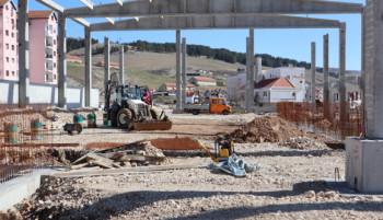 Гацко: Радови на изградњи спортске дворане – У току израда темељне конструкције за трибине