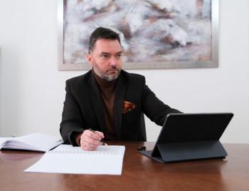 Nakon novca za Bolnicu u Istočnom Sarajevu, Košarac donirao 5.000 KM za kupovinu respiratora Bolnici u Trebinju