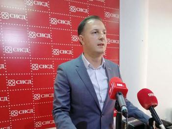 Ćorić se odrekao po 50 odsto plate i poslaničkog dodatka u korist Fonda solidarnosti