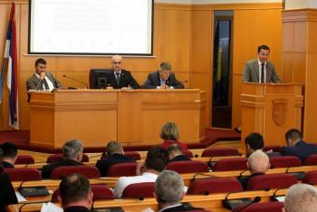 Odbornici trebinjske skupštine odrekli se pola miliona KM