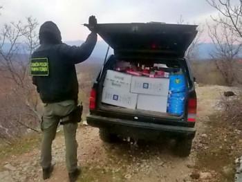 Покушао прокријумчарити 9.350 кутија цигарета из Црне Горе
