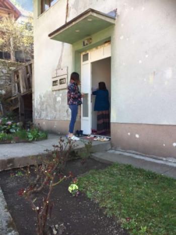 Фоча: Пакети хране корисницима Центра за социјални рад