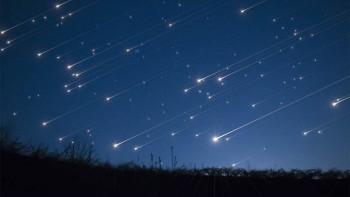 Ponovo kiša meteora nad našim glavama – upravo prolazimo kroz rep Halejeve komete