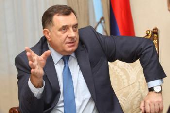 Dodik: Zatvaranjem granice za Srbe u Crnoj Gori bi da riješe problem