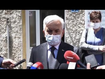 Čubrilović obišao udruženja 'Bebe' i 'Četiri plus' (VIDEO)