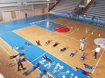 Школа спорта наставила рад