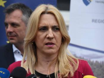 Цвијановић: БиХ има море проблема већих од питања смјене министра