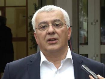 Андрија Мандић поднио оставку на мјесто посланика