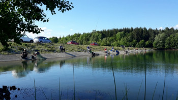 Nevesinjski sportski ribolovci čistili jezero i priredili takmičenje