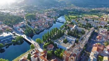 Trebinje: Rejting gradonačelnika Mirka Ćurića 51 odsto, SNSD najjača partija
