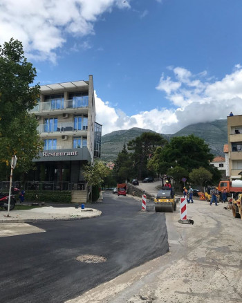 U toku asfaltiranje ulice Obala Mića Ljubibratića