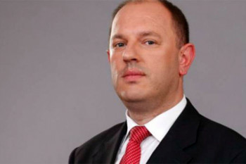 ПЕТРОВИЋ: Шаровић по Херцеговини заговара сепаратизам и дијели народ