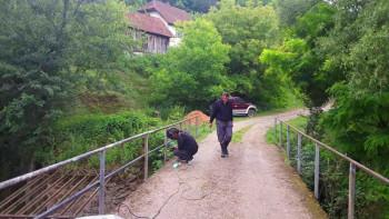 Ustikolina-Cape: Mještani nanovo napravili ogradu na mostu preko Koline
