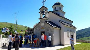 Služenjem parastosa odat pomen nevino stradalim stanovnicima sela Ljeskov Dub
