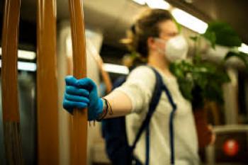 Od danas obavezno nošenje maske u javnom prevozu u Beogradu