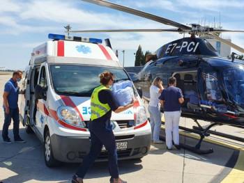 Још једна успјешна евакуација Хеликоптерског сервиса Српске, Василије и Ирина превезени у Београд (ФОТО)
