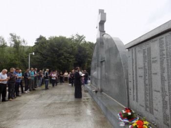 Služen parastos poginulim Srbima iz Ježestice