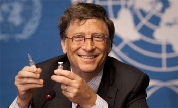 Gejts: Pandemija za 'bogati svijet' gotova do kraja 2021.