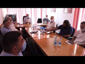 Bileća: Devet političkih stranaka podržalo kandidaturu Nenada Vukoja (VIDEO)