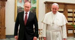 Papa Franja poručio: Samo Putin može spasiti hrišćane!