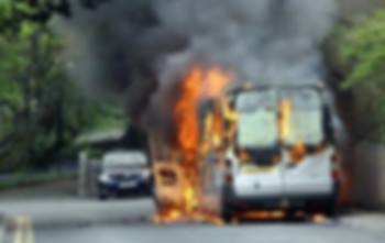 Trebinjcu zapaljen automobil?