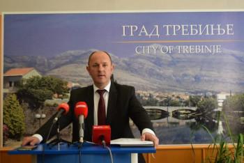 LUKA PETROVIĆ:Podmetanje Viškoviću s ciljem slabljenja institucije predsjednika