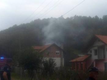 Vojni avion se srušio kod Loznice, ima povrijeđenih
