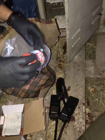 Uhapšene dvije osobe – Pronađena plantaža marihuane, eksploziv i oružje