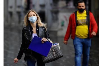 Institut donio preporuke: Dozvoljeno okupljanje maksimalno deset osoba, maske i na otvorenom