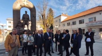 Mitrovdansko  prikuljanje jeftinih poena Milovana  Cvijetića