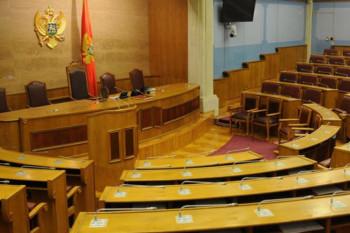 Crna Gora: Pet poslanika ima virus korona, iskomplikovan izbor Vlade