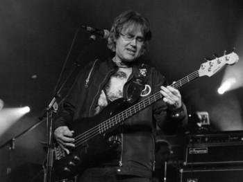 Preminuo Miša Aleksić, legendarni basista Riblje čorbe