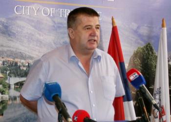 Slavko Vučurević predsjedava prvom sjednicom trebinjske Skupštine