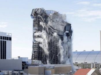 Srušen čuveni Trampov hotel i kazino