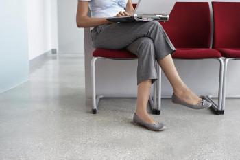 Stručnjaci savjetuju zašto ne trebate sjediti prekrštenih nogu