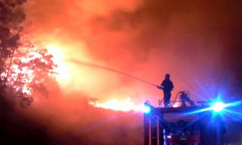 У пожару изгорјела породична кућа у Невесињу
