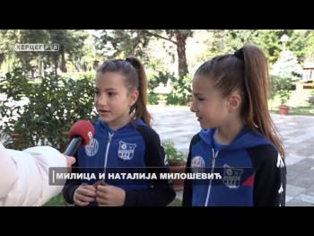 Čuda od djece: Devetogodišnje bliznakinje izvode akrobacije (VIDEO)