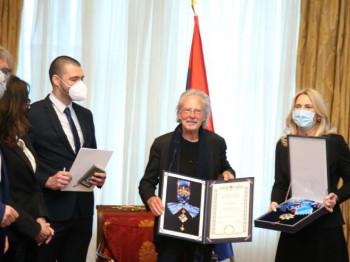 Predsjednica Srpske Handkeu uručila Orden Republike Srpske