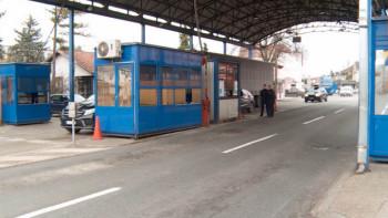 Djed prevozio troje unuka i kilogram heroina: Tvrdi da su mu drogu podmetnuli u Hercegovini