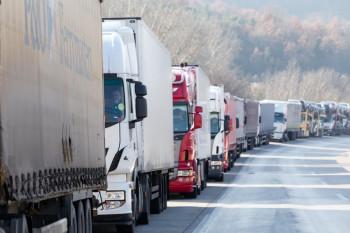 Kamioni mogu normalno prelaziti granicu sa Hrvatskom