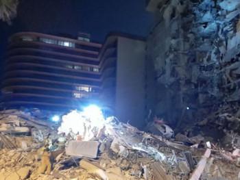Srušila se zgrada od 11 spratova na Floridi, u toku potraga za preživjelima