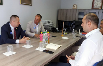 """Petričević sa privrednicima o prvoj slobodnoj zoni i otvaranju pogona kompanije """"Jumko"""""""