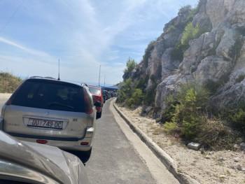 Gužve na Brgatu – Stotine automobila čeka na granici