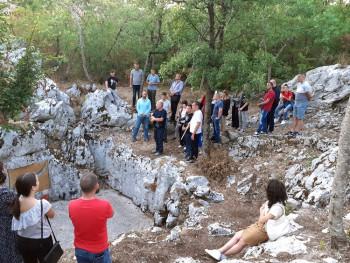 Studenti istorije u posjeti srpskim stratištima u Hercegovini