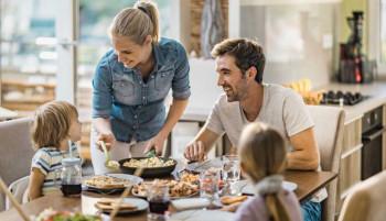Koliko je za djecu važno okupljanje svih članova porodice za trpezom u isto vrijeme