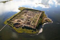 Misterija Sibira: Niko ne zna ko je izgradio, pa napustio utvrđeno ostrvo (FOTO)
