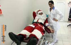 Djed Mraz prvi davalac krvi u novoj godini
